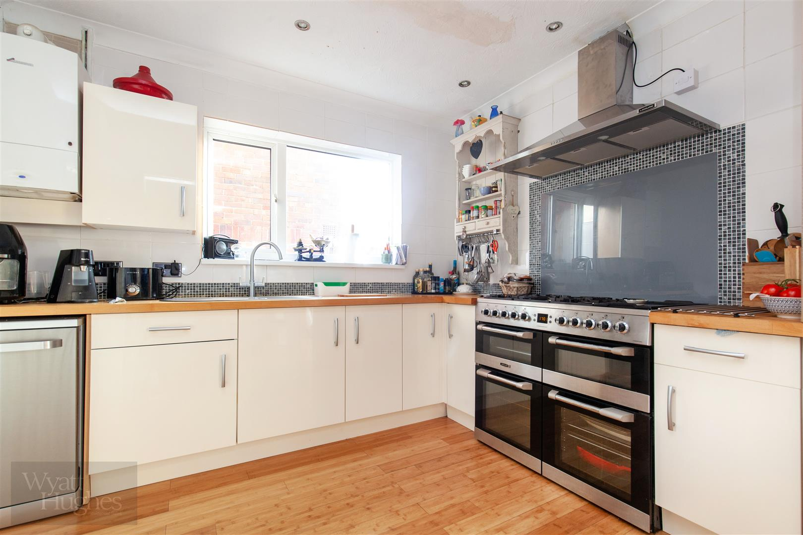 3 bed semi-detached-house for sale in Lewis Road, St. Leonards-On-Sea  - Property Image 3