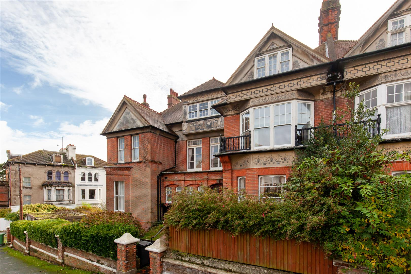 1 bed flat for sale in Cumberland Gardens, St. Leonards-On-Sea  - Property Image 1