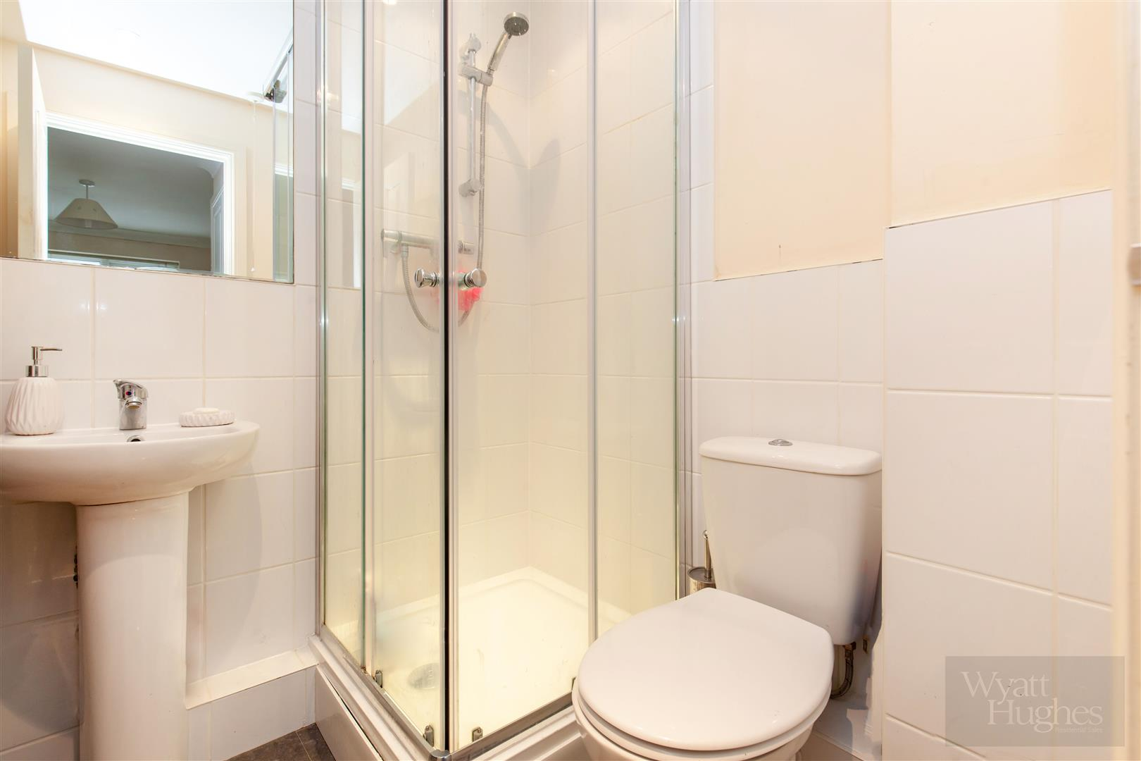 2 bed apartment for sale in Arbourvale, St. Leonards-On-Sea  - Property Image 9