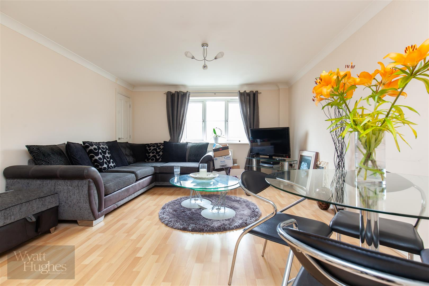 2 bed apartment for sale in Arbourvale, St. Leonards-On-Sea - Property Image 1