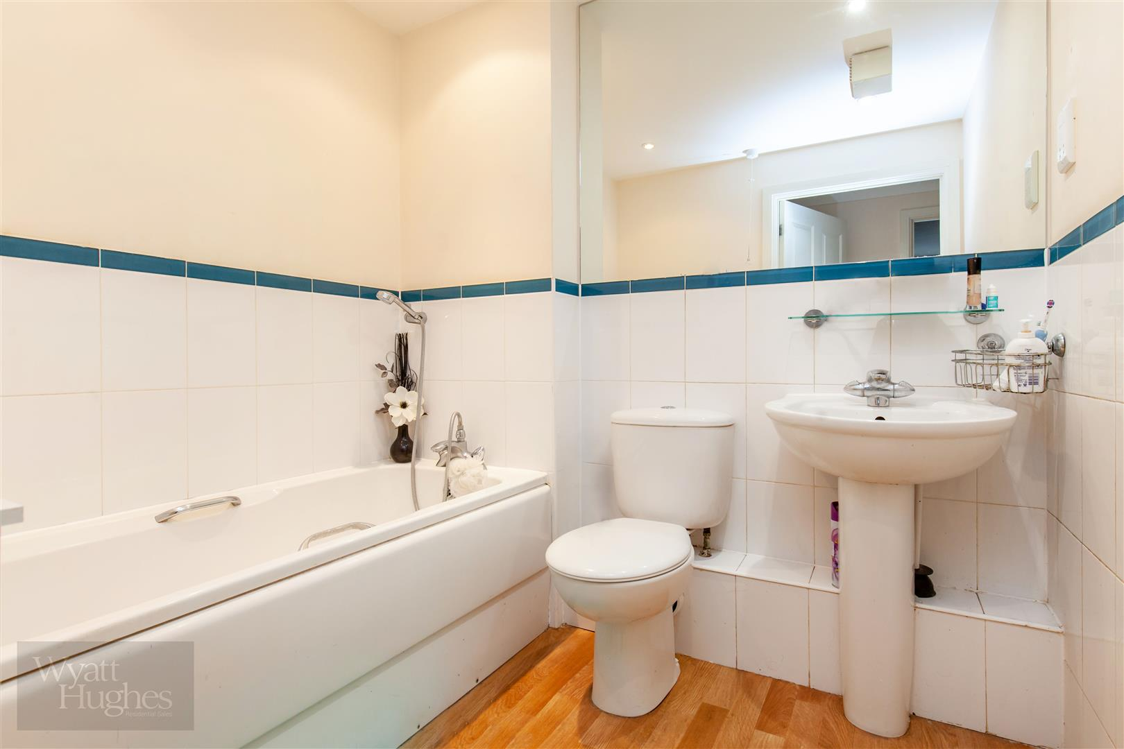2 bed apartment for sale in Arbourvale, St. Leonards-On-Sea  - Property Image 5
