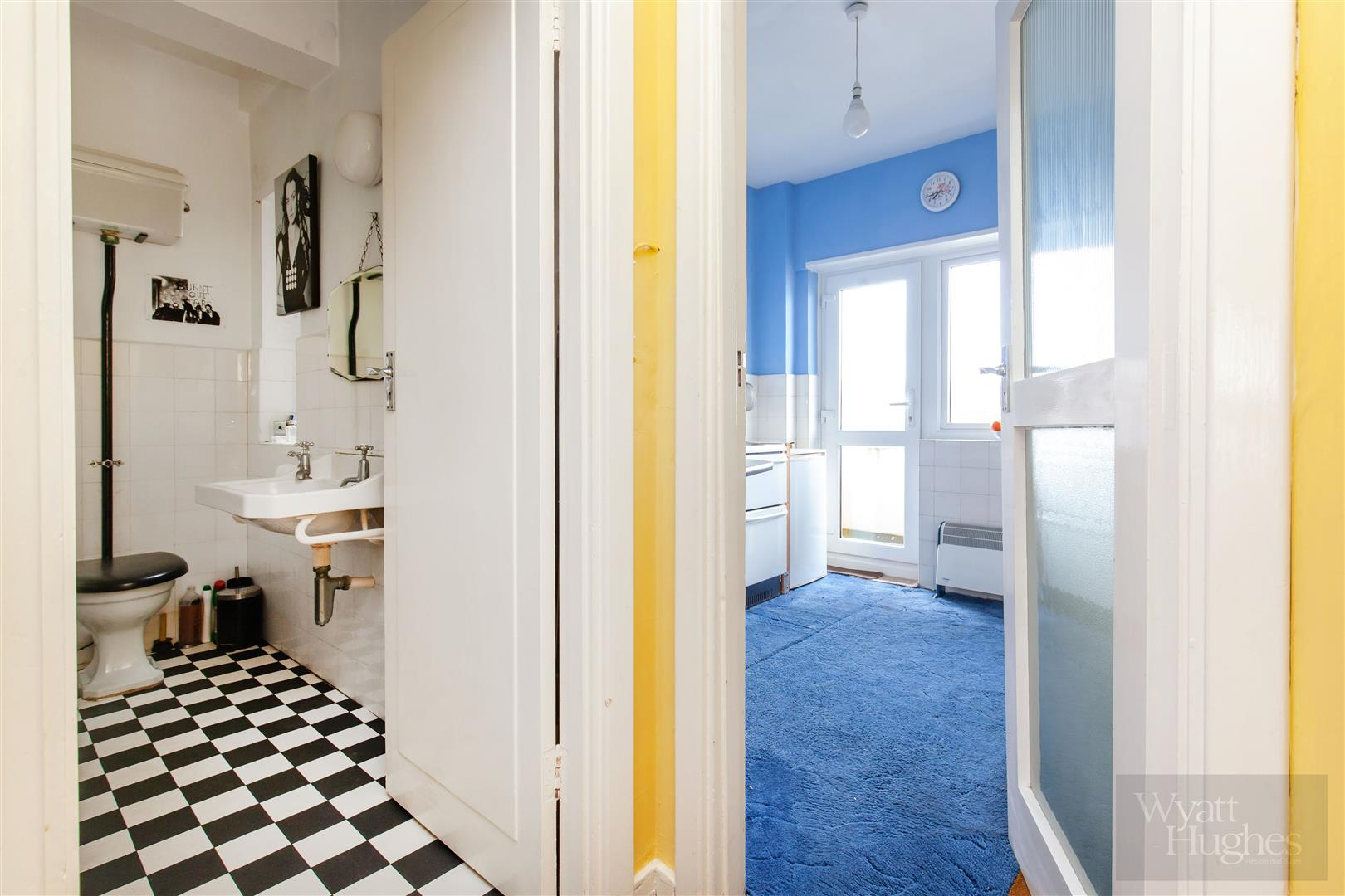 1 bed flat for sale in Marine Court, St. Leonards-On-Sea  - Property Image 3