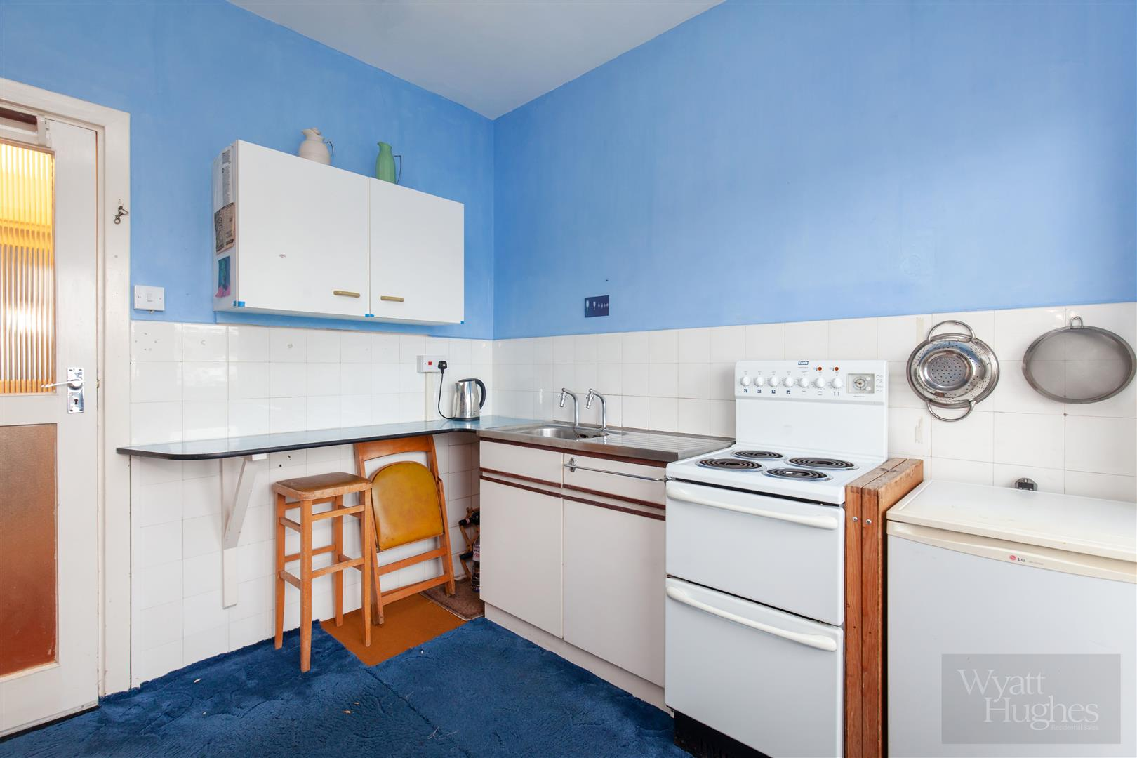 1 bed flat for sale in Marine Court, St. Leonards-On-Sea 4