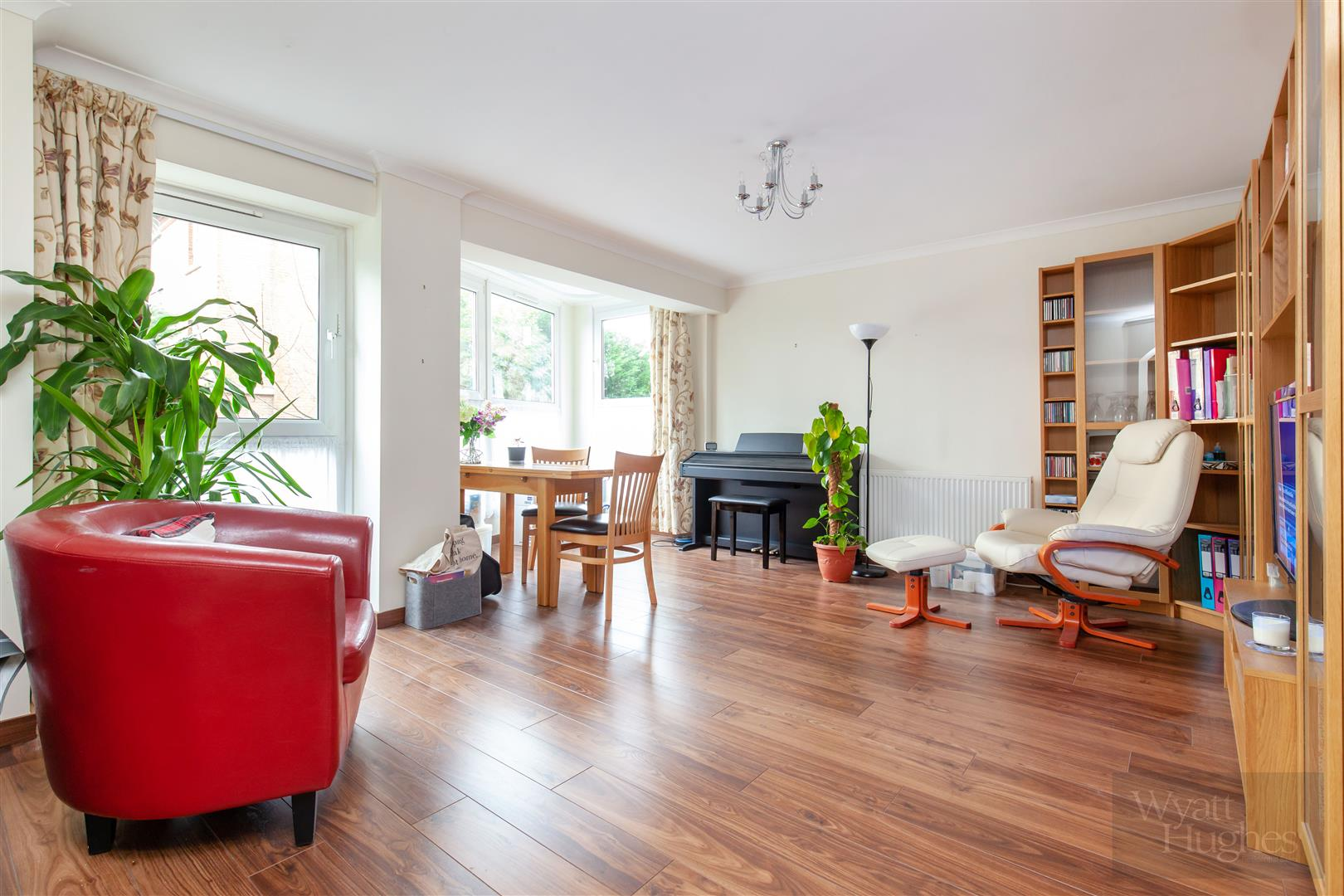 2 bed flat for sale in Cumberland Gardens, St. Leonards-On-Sea  - Property Image 1