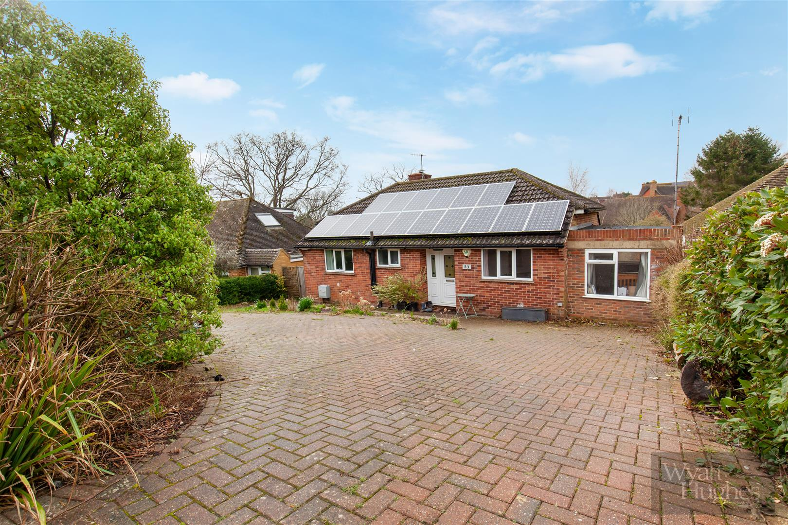 4 bed detached bungalow for sale in Gorselands, Battle 2