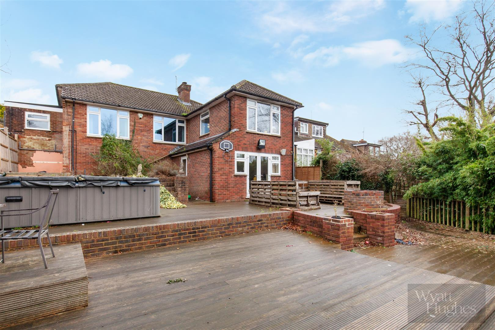 4 bed detached-bungalow for sale in Gorselands, Battle 26
