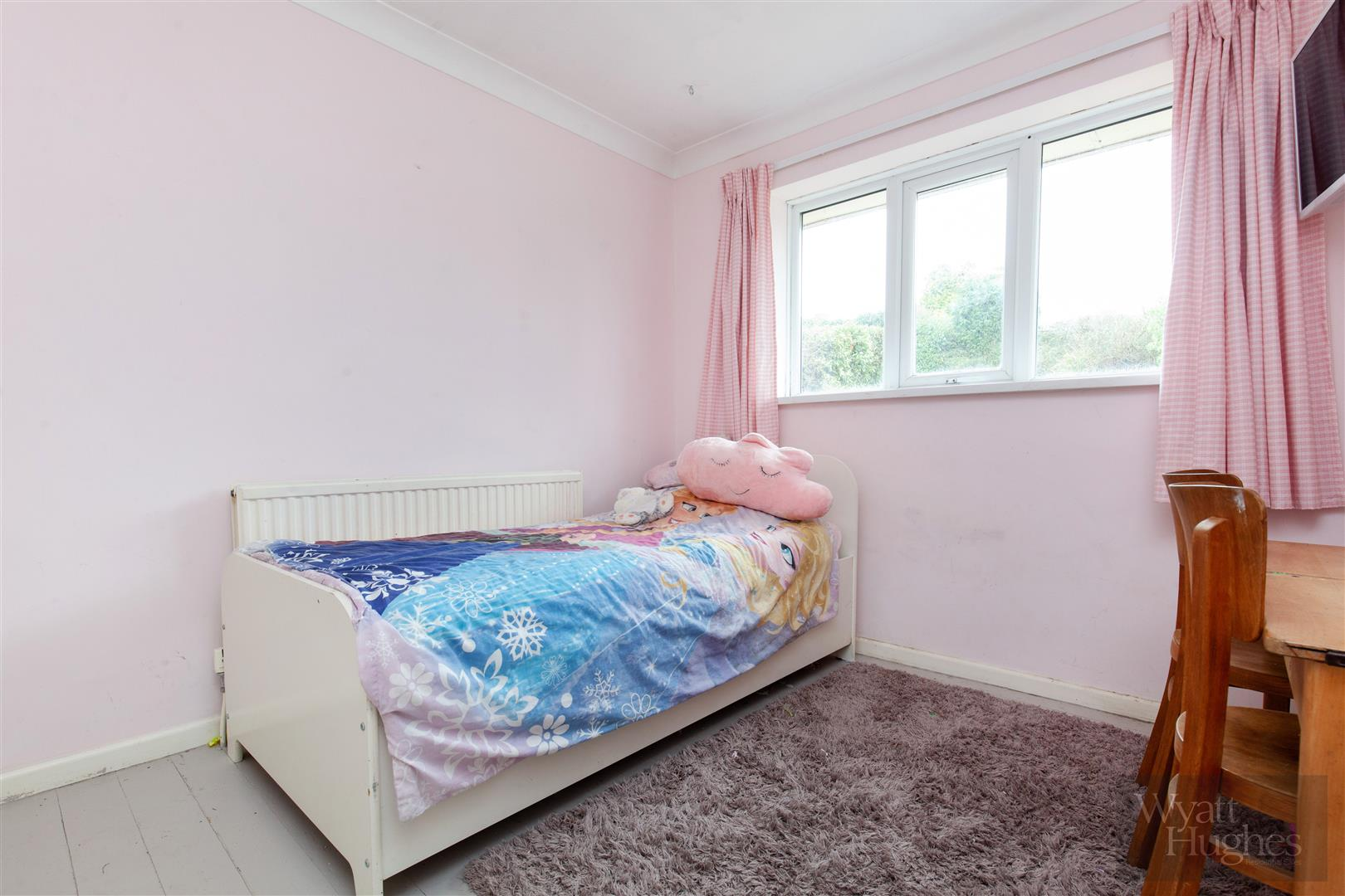 4 bed detached bungalow for sale in Gorselands, Battle 17