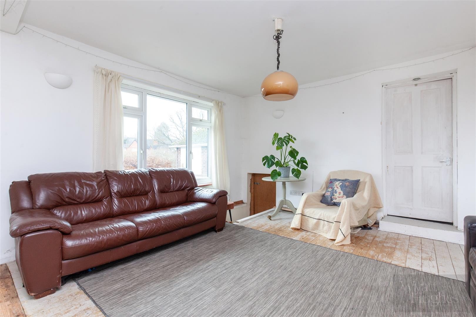 4 bed detached bungalow for sale in Gorselands, Battle 7