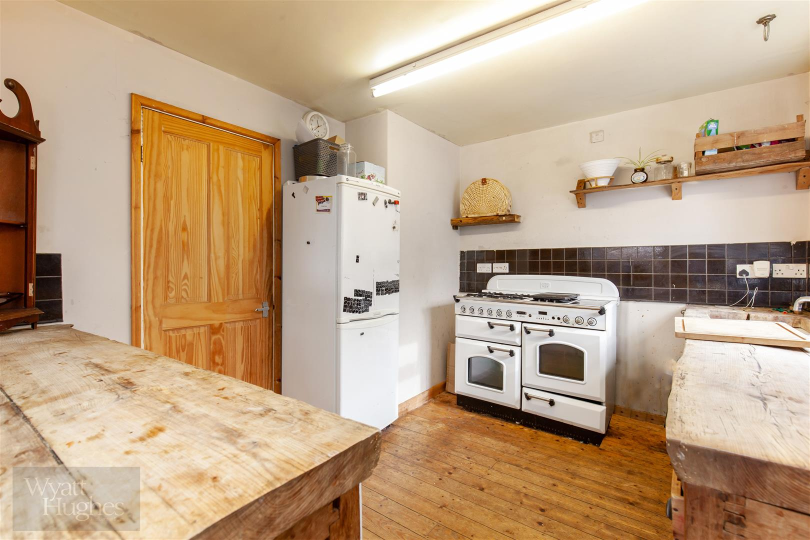 4 bed detached-bungalow for sale in Gorselands, Battle 13