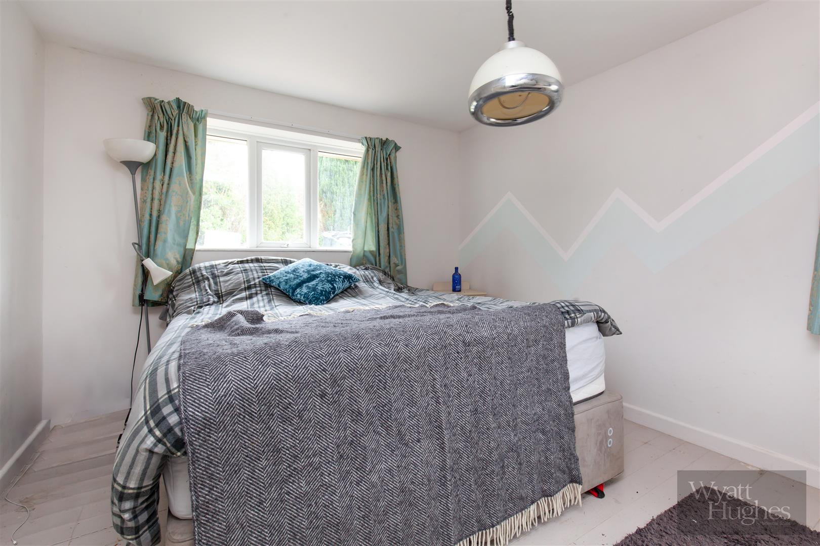 4 bed detached-bungalow for sale in Gorselands, Battle 12