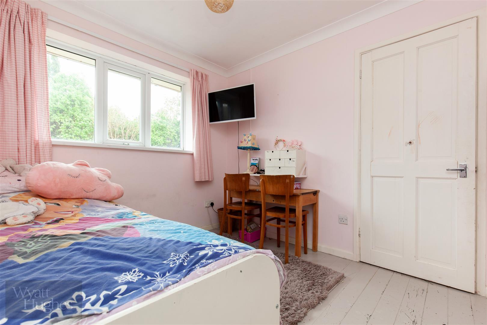 4 bed detached bungalow for sale in Gorselands, Battle 16