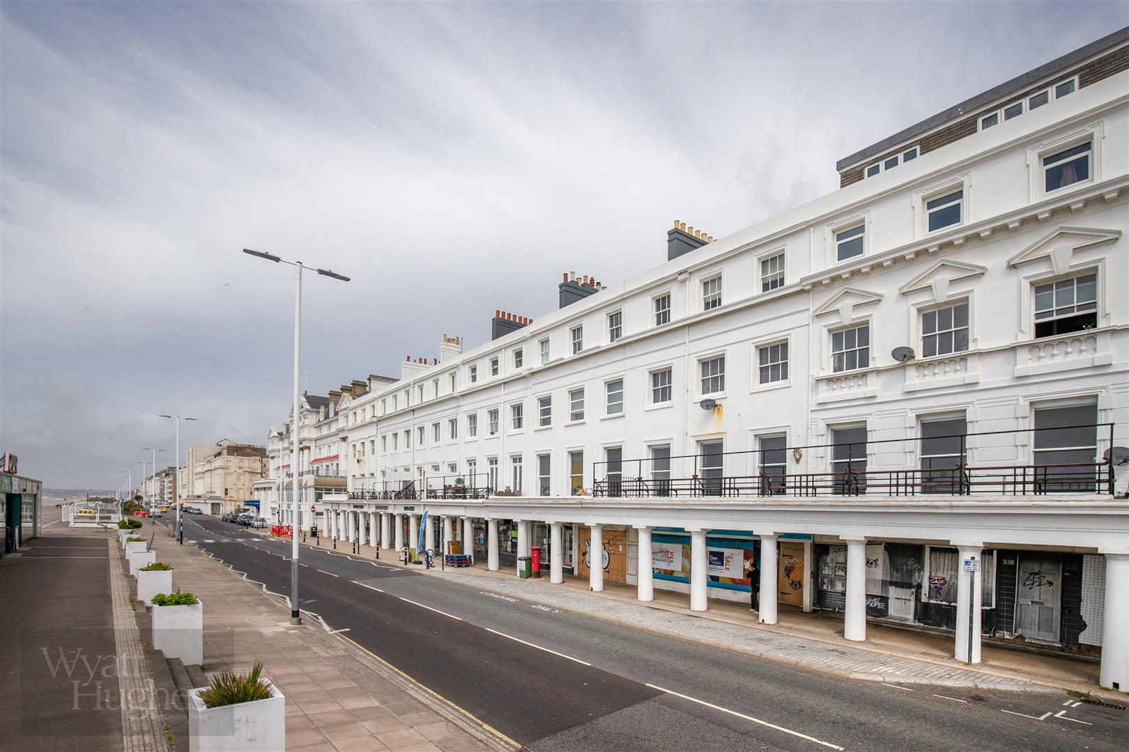 1 bed flat for sale in Marina, St. Leonards-On-Sea - Property Image 1