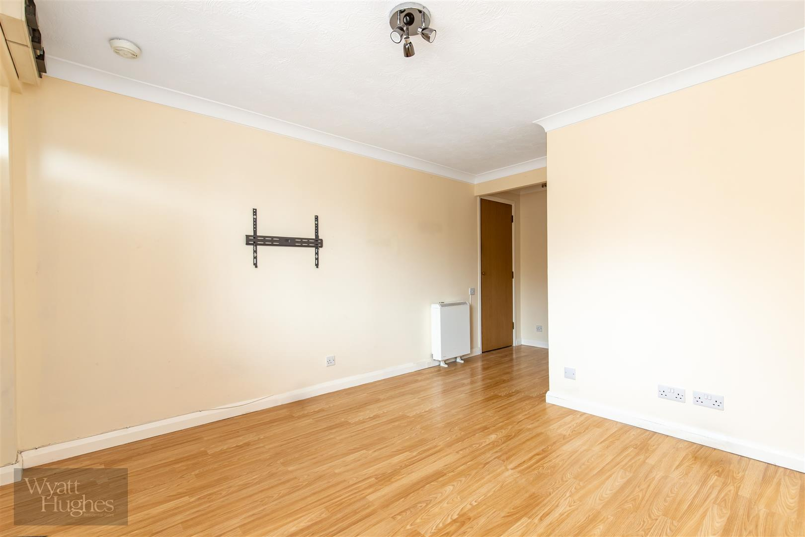 1 bed flat for sale in Longacre Close, St. Leonards-On-Sea 4