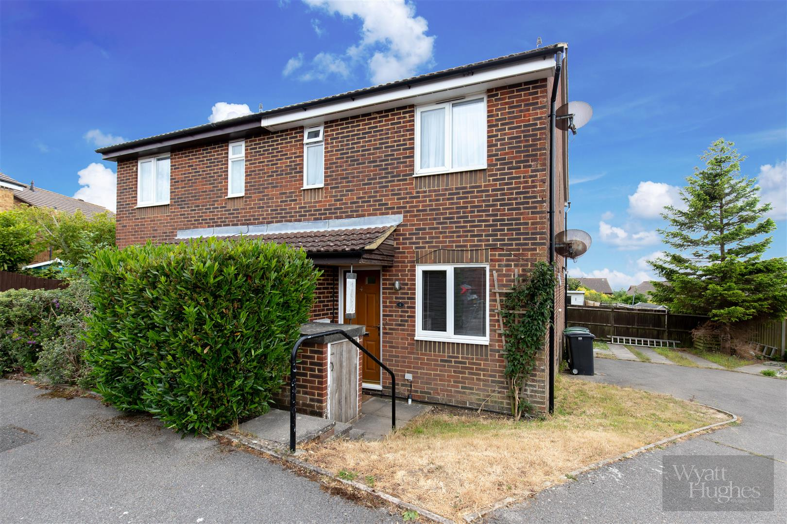 1 bed flat for sale in Longacre Close, St. Leonards-On-Sea  - Property Image 1
