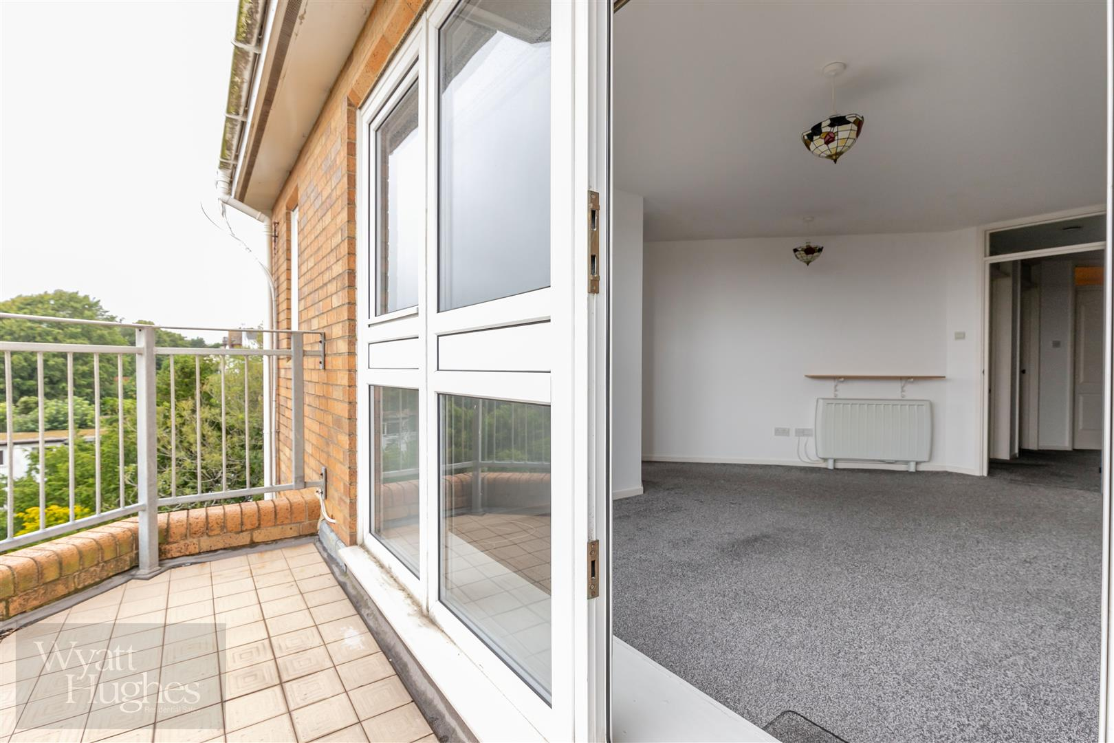 2 bed apartment for sale in Finch Mansions, St. Leonards-On-Sea  - Property Image 16