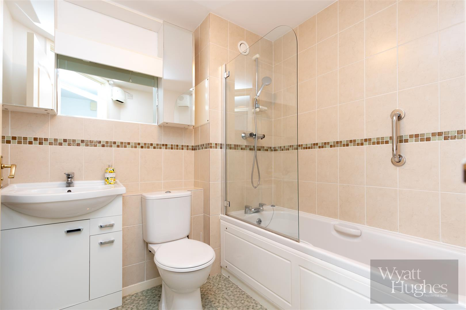 2 bed apartment for sale in Finch Mansions, St. Leonards-On-Sea  - Property Image 12