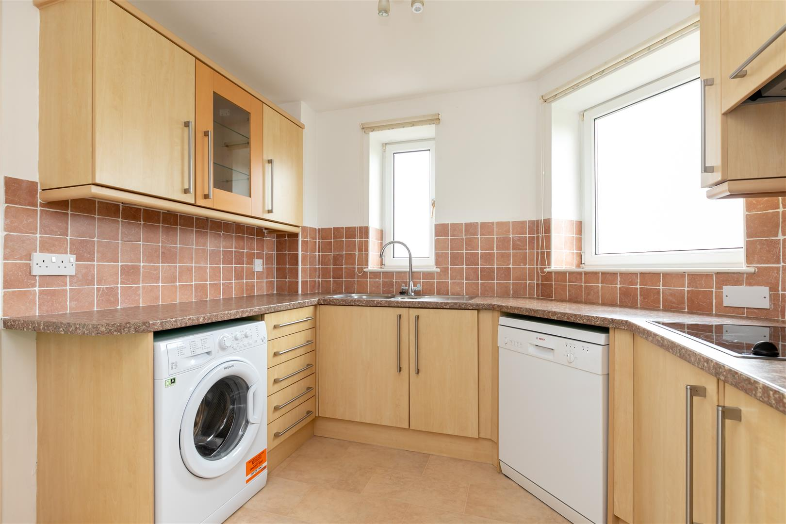 2 bed apartment for sale in Finch Mansions, St. Leonards-On-Sea  - Property Image 6