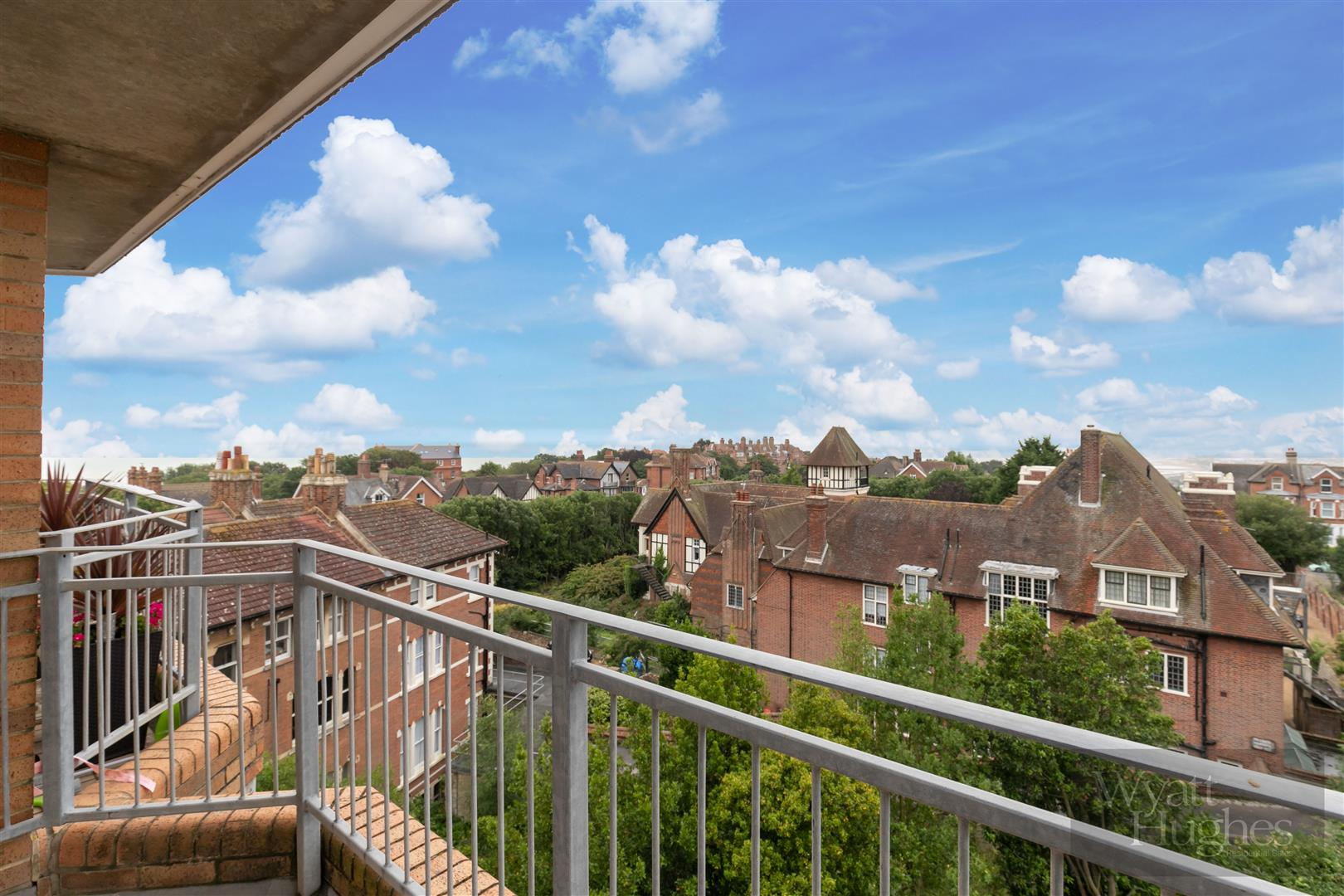 2 bed apartment for sale in Finch Mansions, St. Leonards-On-Sea  - Property Image 18