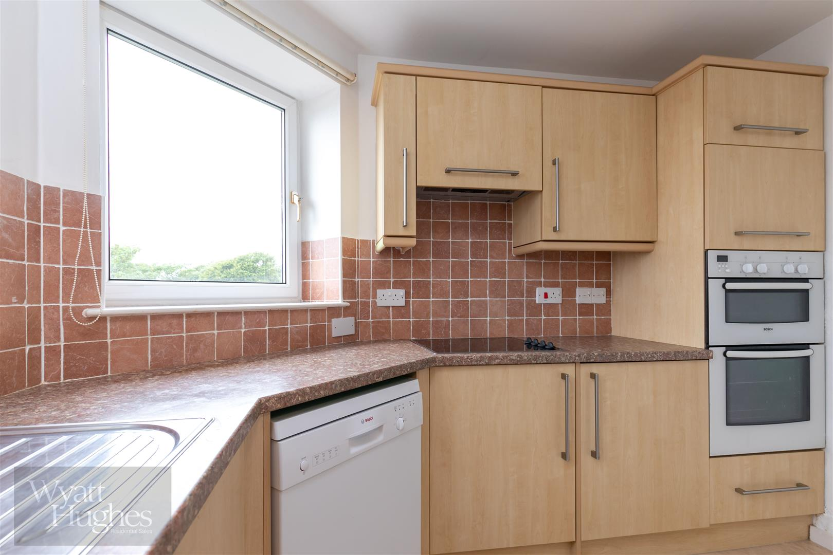 2 bed apartment for sale in Finch Mansions, St. Leonards-On-Sea  - Property Image 7