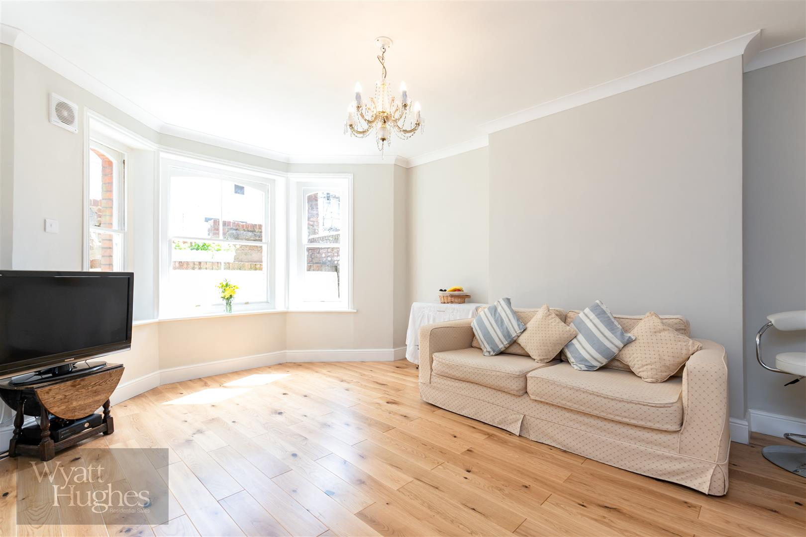 2 bed flat for sale in Kenilworth Road, St. Leonards-On-Sea - Property Image 1