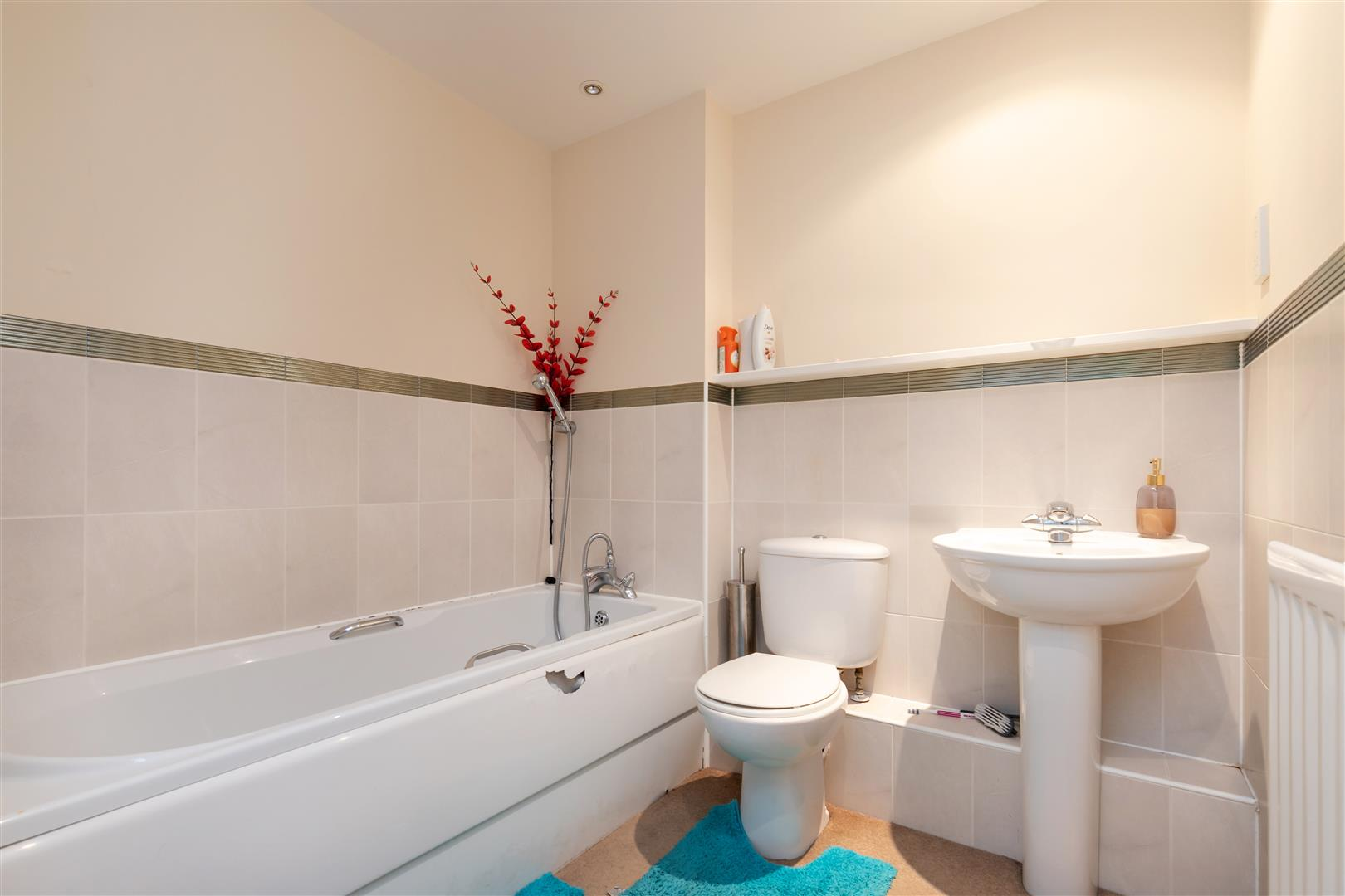 2 bed flat for sale in Arbourvale, St. Leonards-On-Sea 5