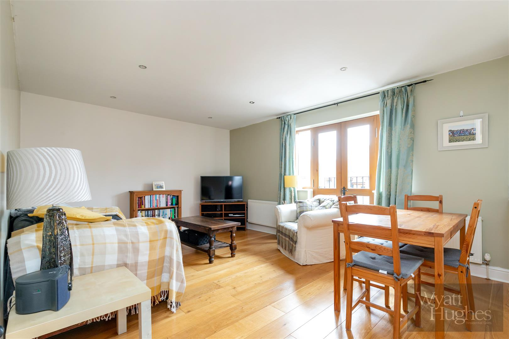 1 bed flat for sale in Colemans Way, Hurst Green - Property Image 1