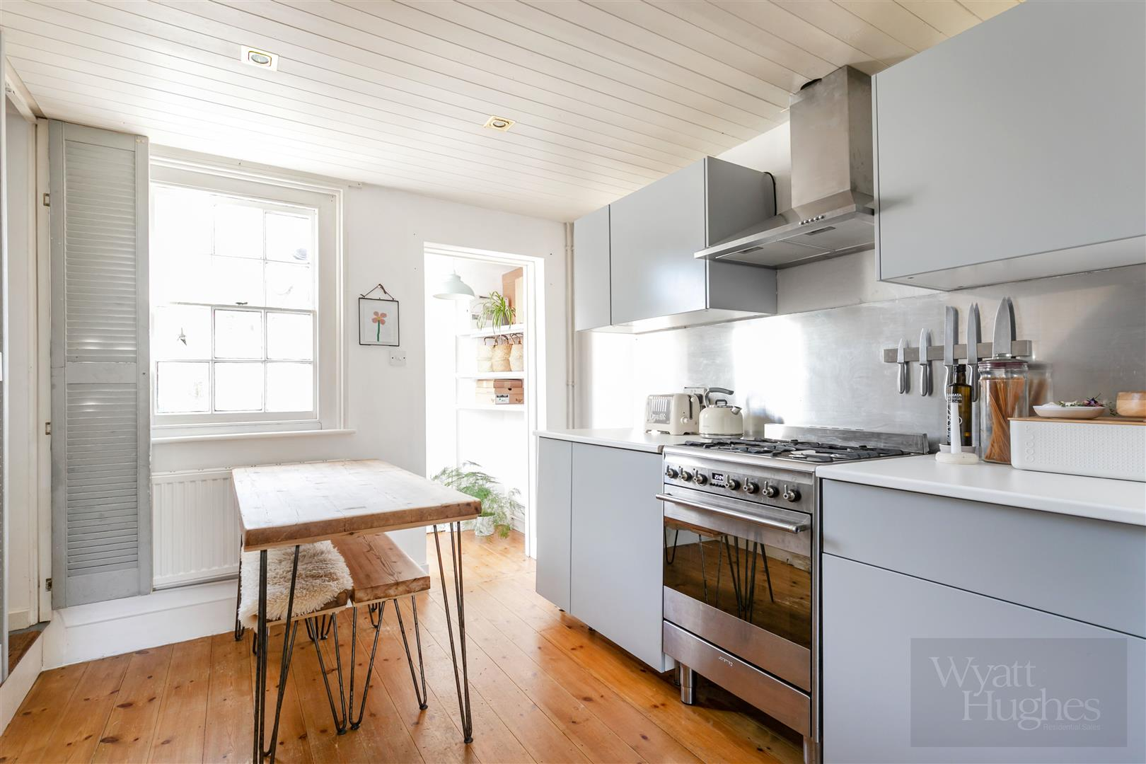 2 bed terraced-house for sale in Fairlight Road, Hastings  - Property Image 1