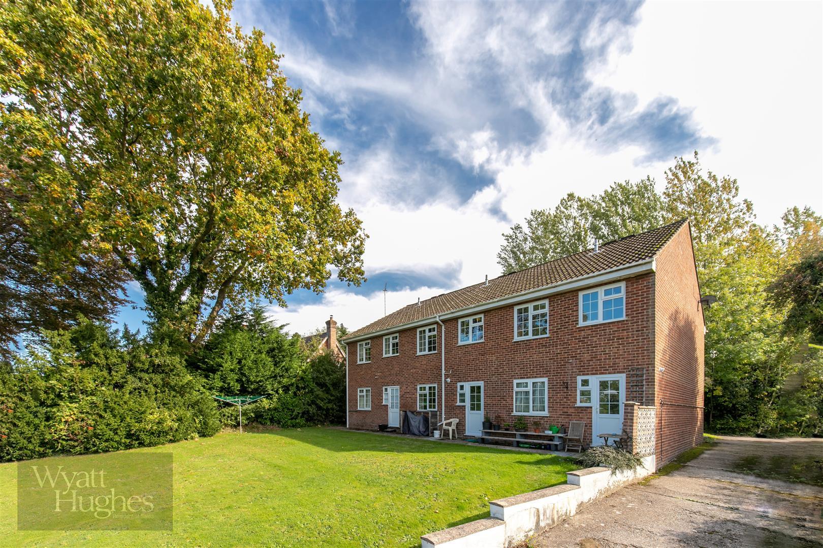 1 bed apartment for sale in Bishops Lane, Robertsbridge, TN32