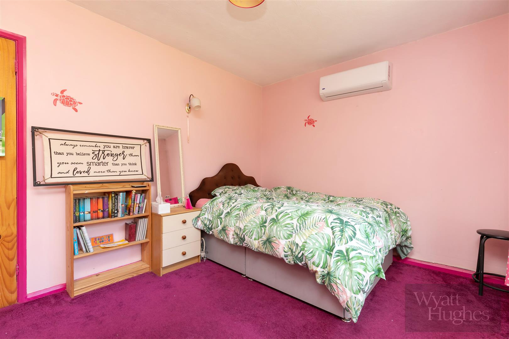 5 bed chalet for sale in Church Road, Catsfield, Battle - Property Image 1