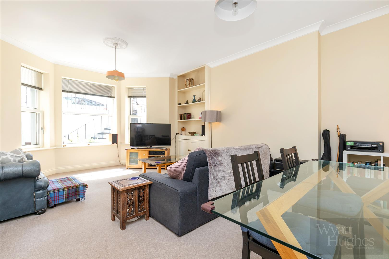 2 bed flat for sale in Warrior Gardens, St. Leonards-On-Sea  - Property Image 1