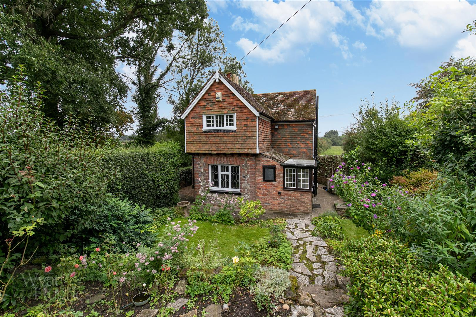 2 bed house for sale in Burgh Hill, Etchingham  - Property Image 2