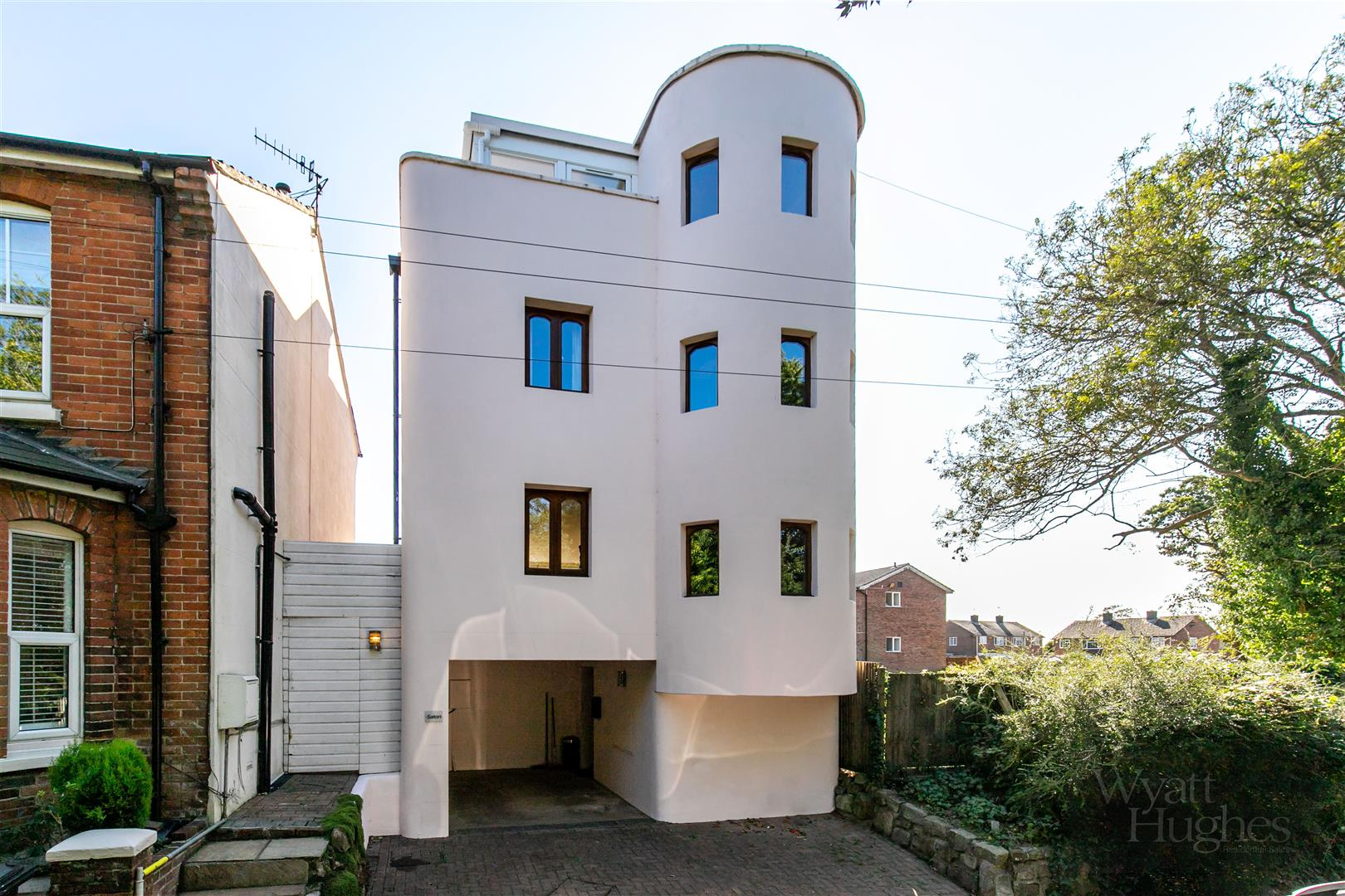 2 bed house for sale in Gillsmans Hill, St. Leonards-On-Sea  - Property Image 1