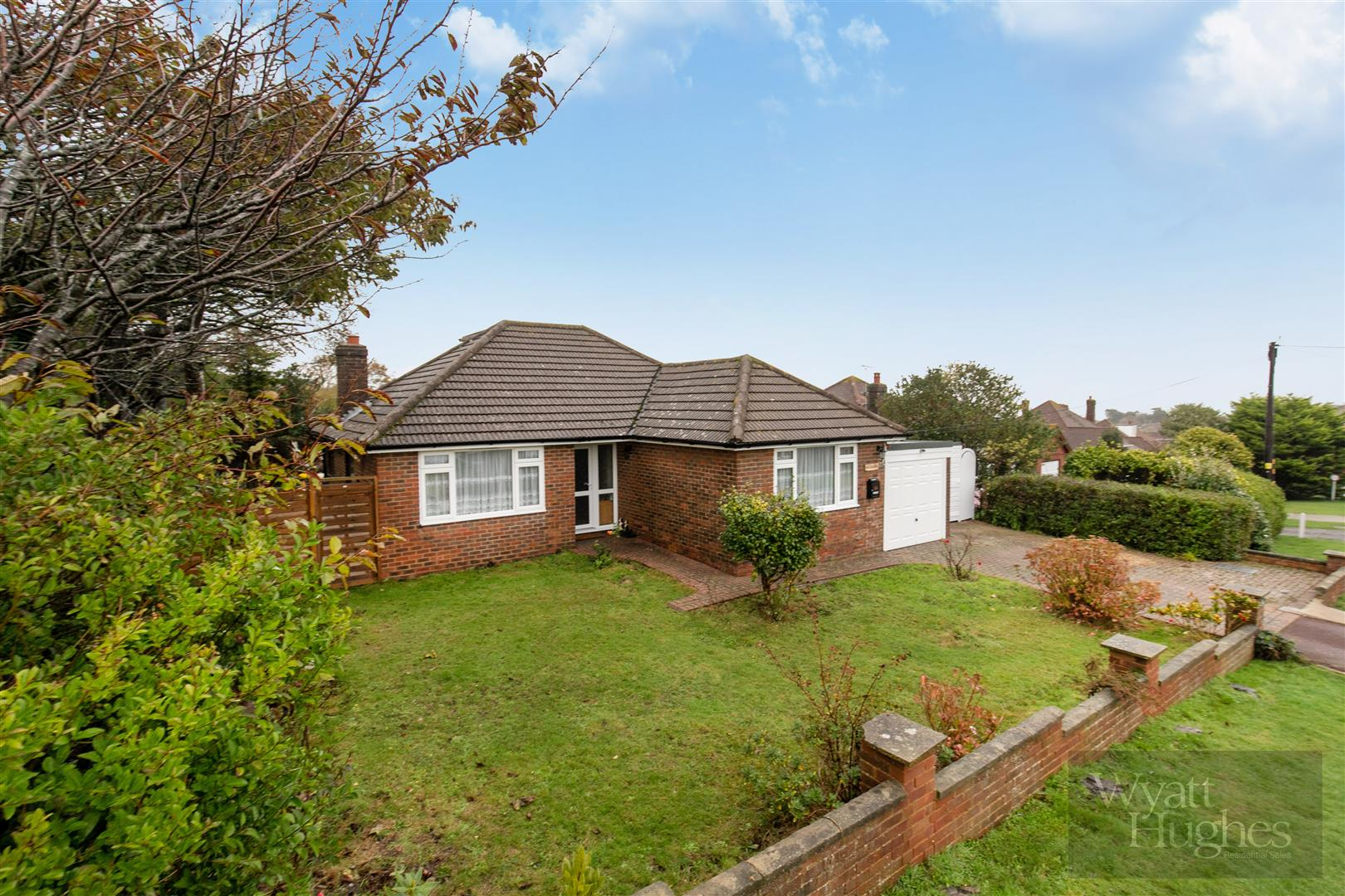 2 bed detached bungalow for sale in Fyrsway, Hastings, TN35