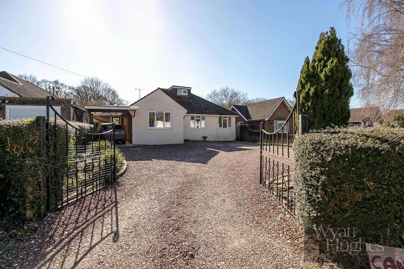 3 bed detached bungalow for sale in Skinners Lane, Battle, TN33