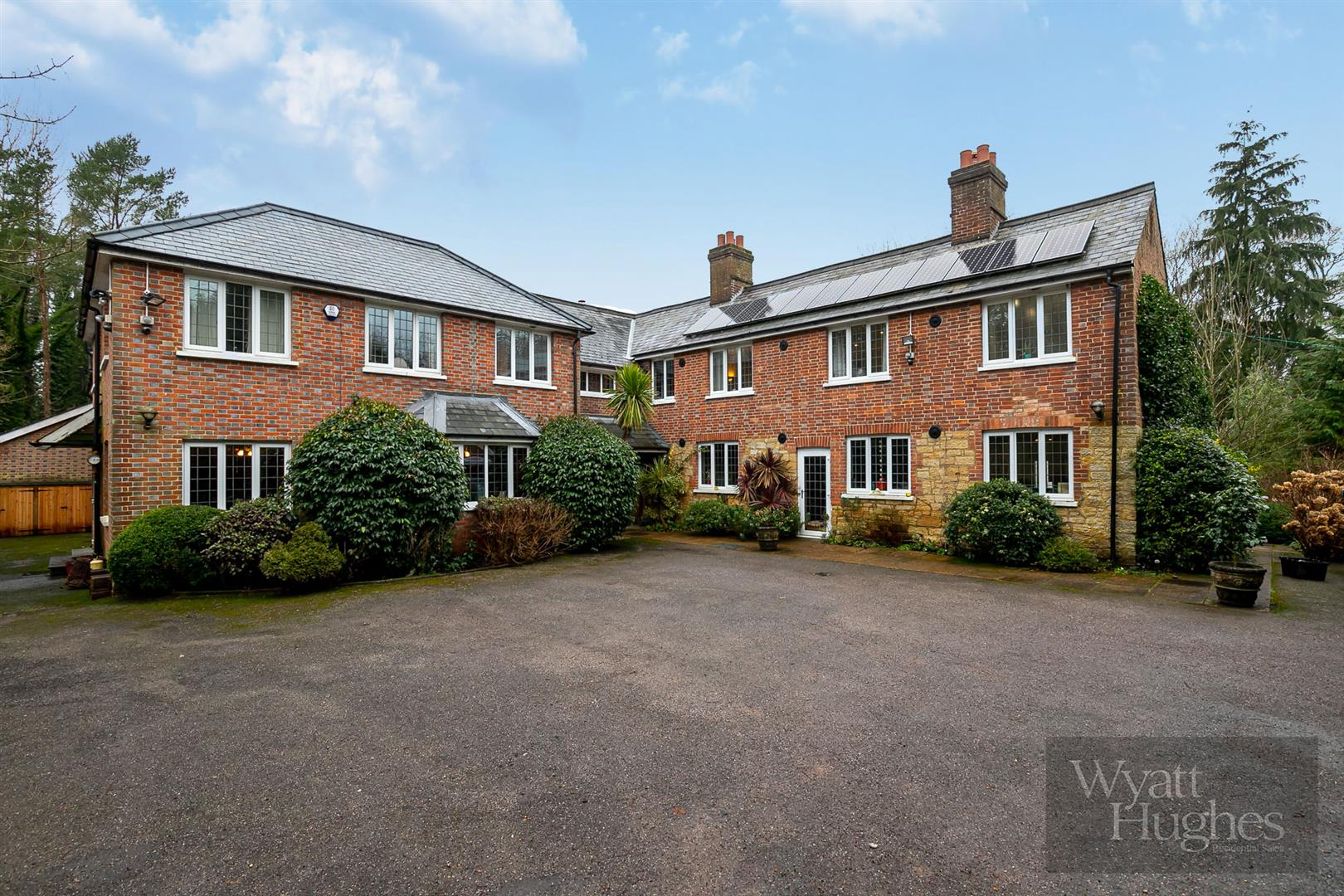 7 bed house for sale in North Trade Road, Battle, TN33