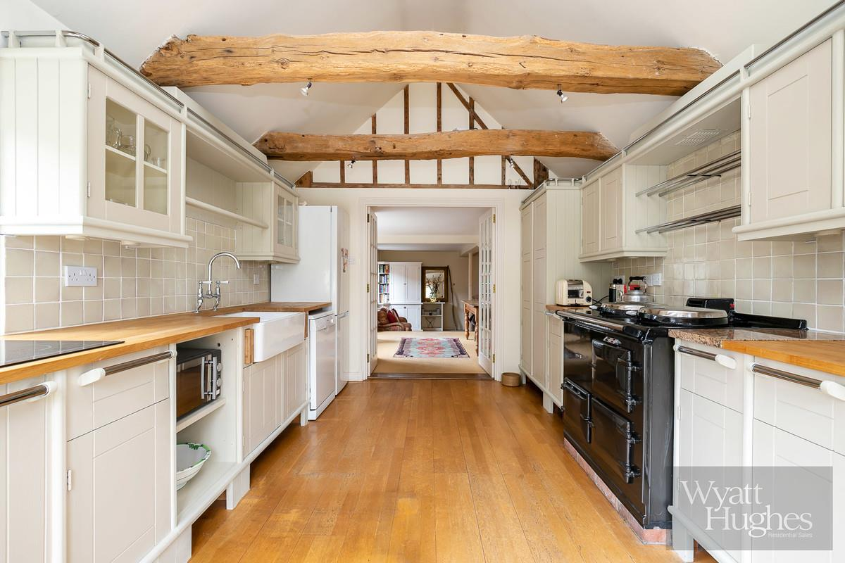 4 bed house for sale in High Street, Ticehurst, TN5