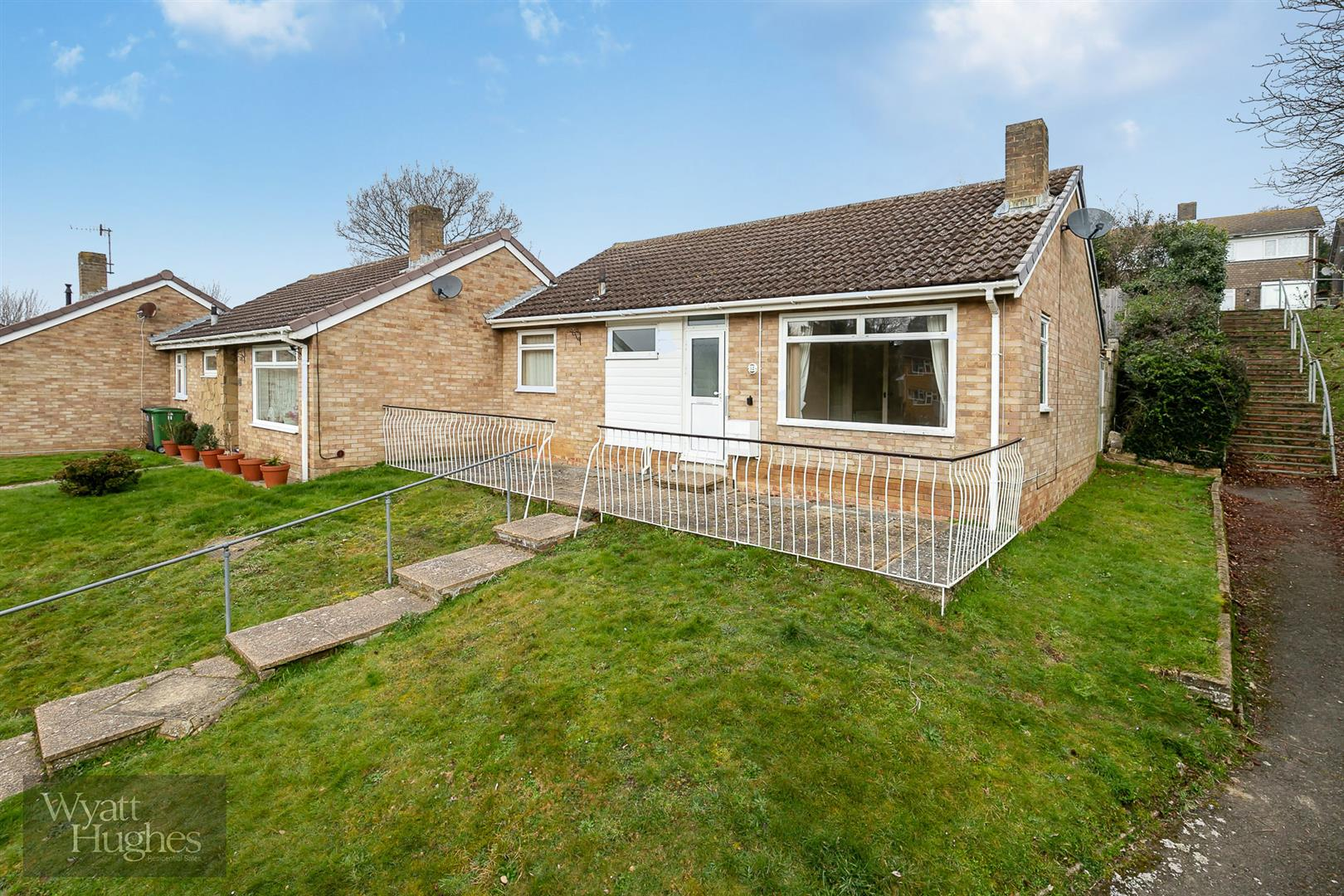 2 bed bungalow for sale in Brading Close, Hastings, TN34