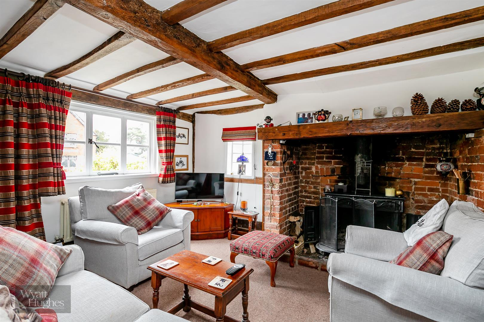 3 bed house for sale in High Street, Ticehurst, TN5