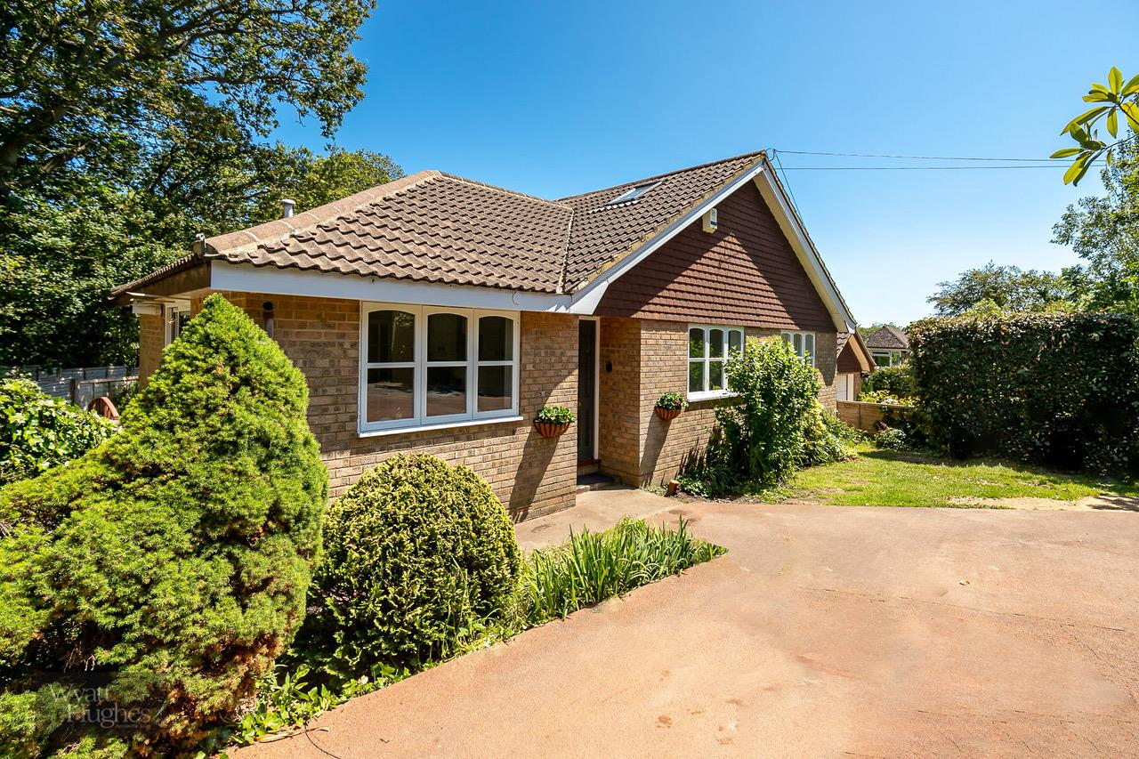 3 bed detached bungalow for sale in Farley Way, Hastings, TN35