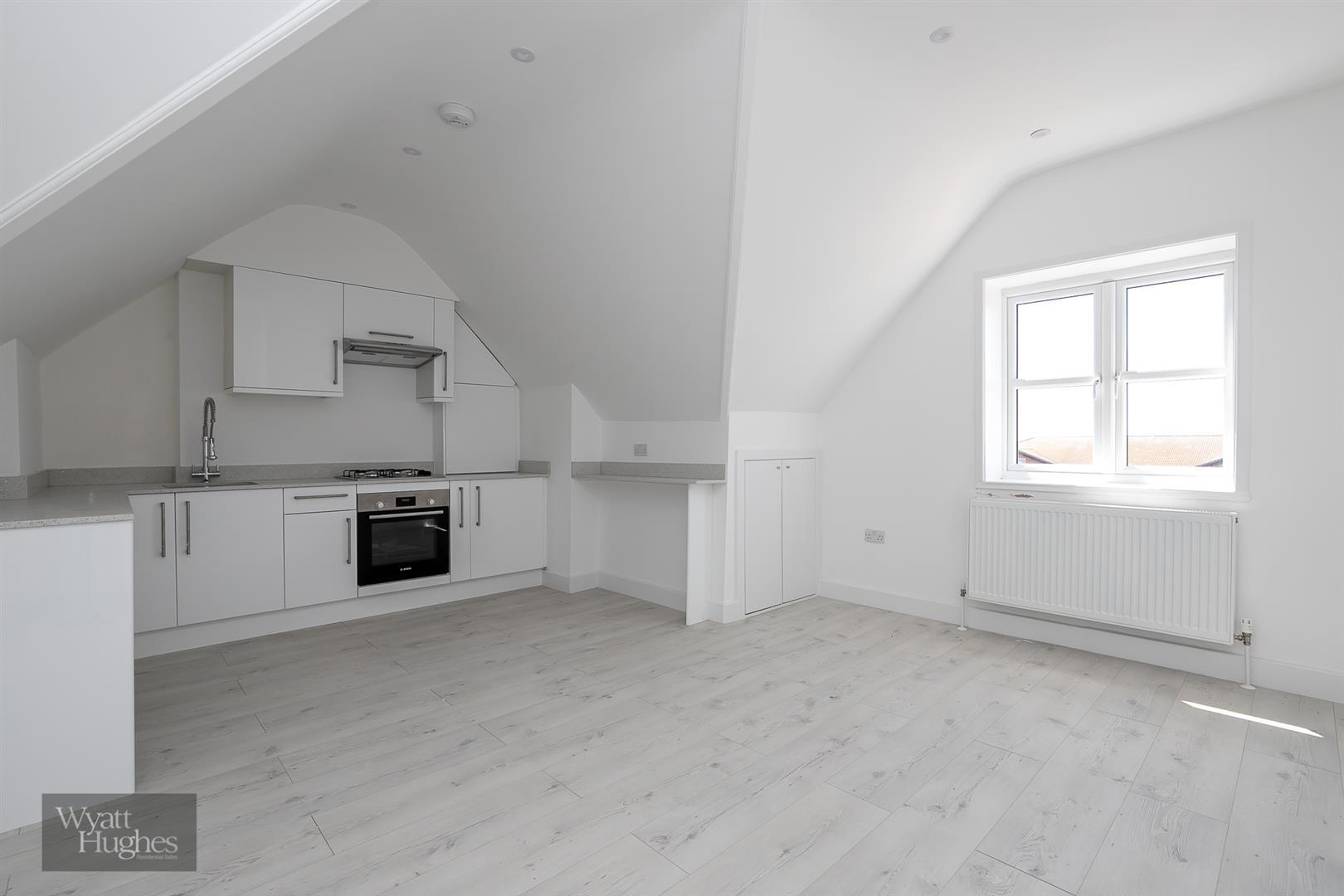 2 bed flat for sale in Boscobel Road, St. Leonards-On-Sea, TN38