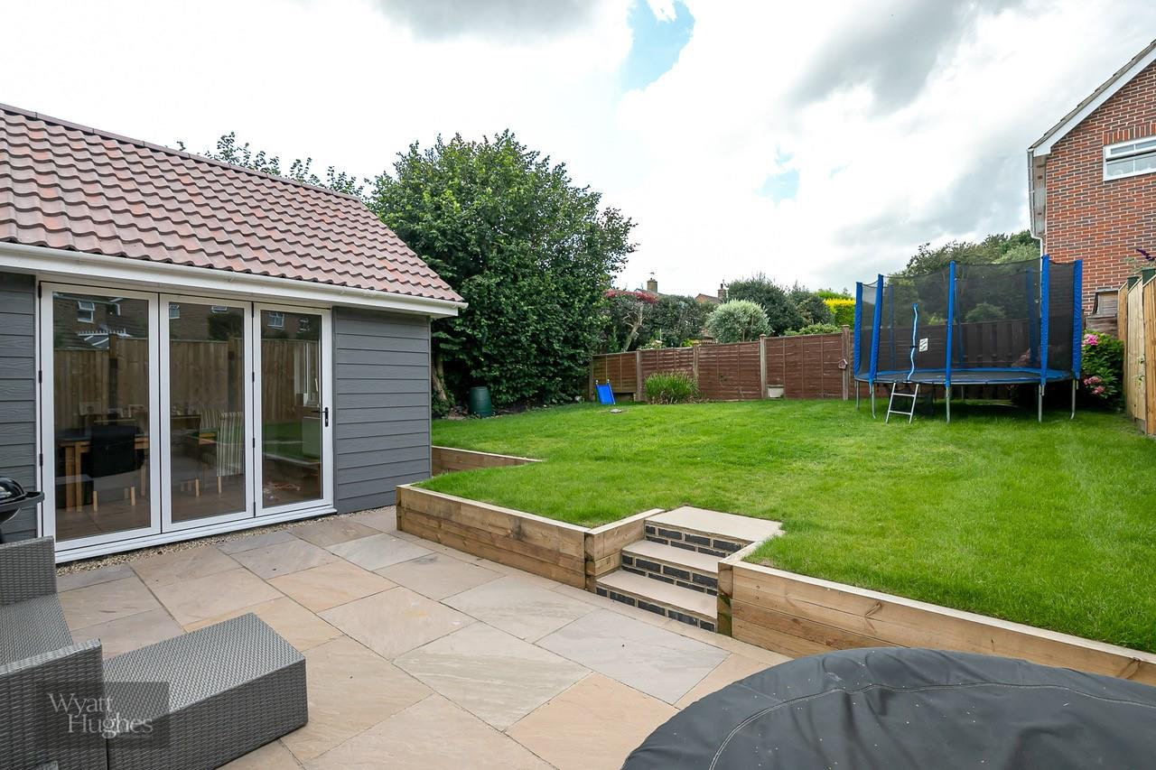 3 bed detached bungalow for sale in Beacon Hill, Bexhill-On-Sea  - Property Image 24