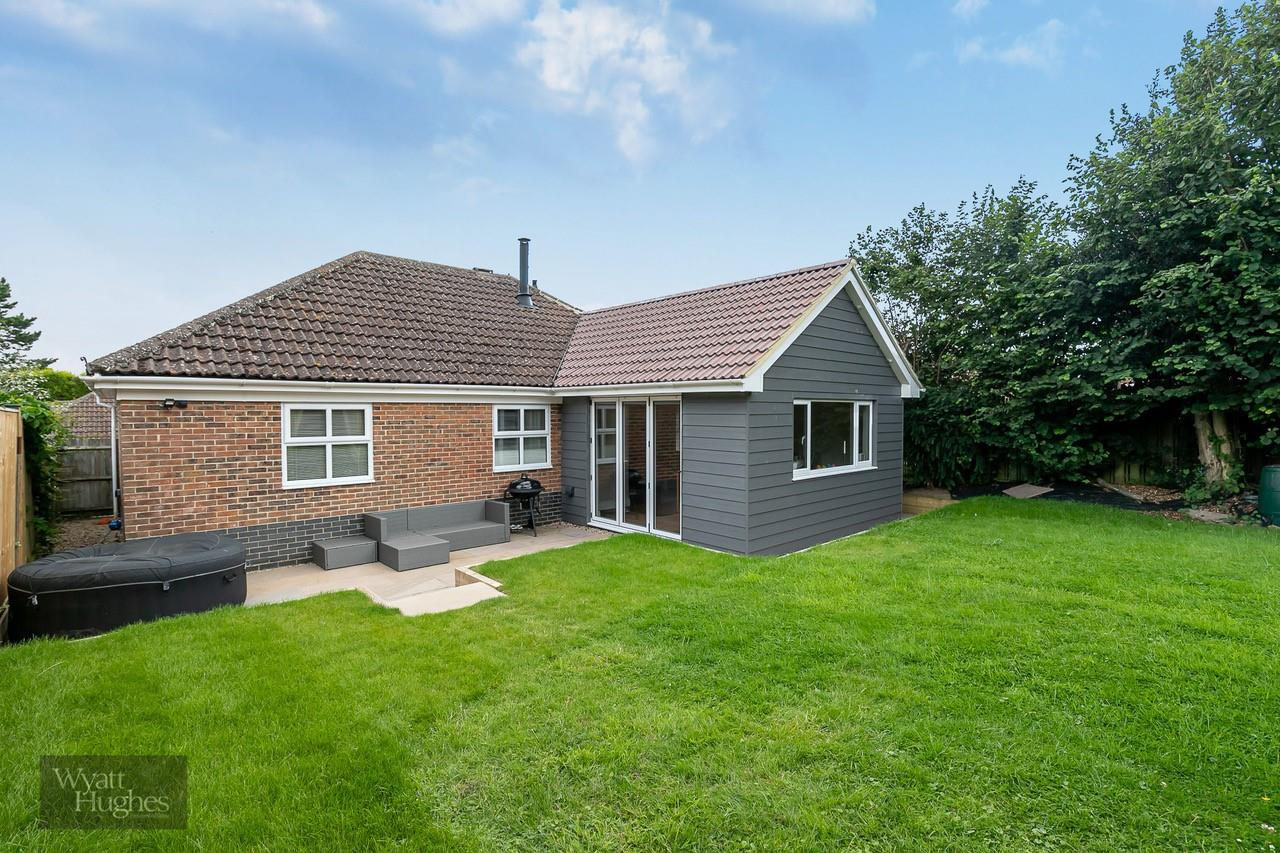 3 bed detached bungalow for sale in Beacon Hill, Bexhill-On-Sea, TN39
