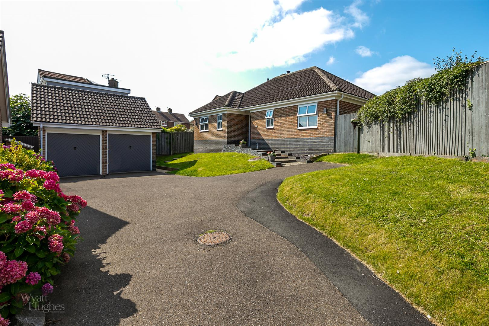 3 bed detached bungalow for sale in Beacon Hill, Bexhill-On-Sea  - Property Image 2