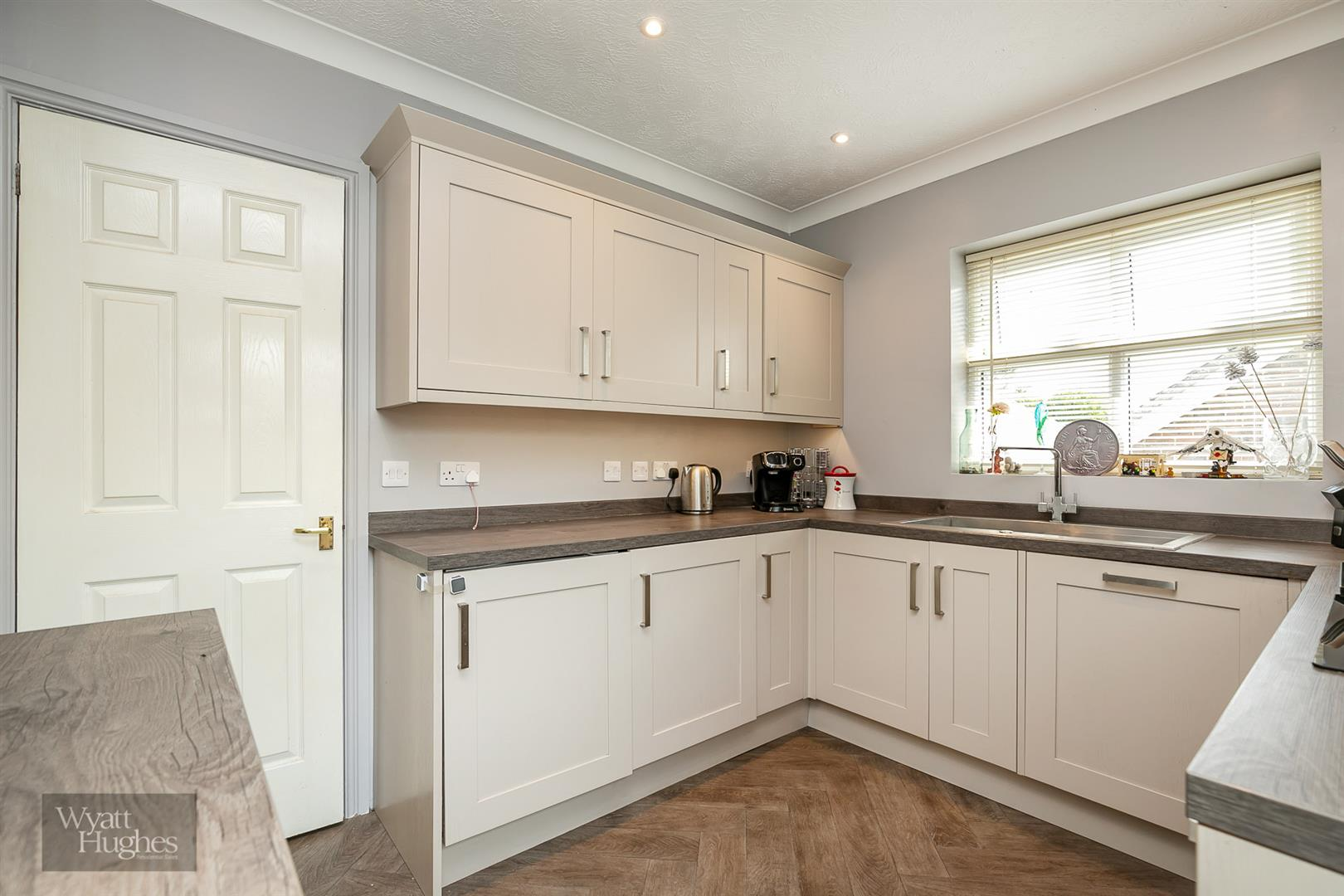3 bed detached bungalow for sale in Beacon Hill, Bexhill-On-Sea 3