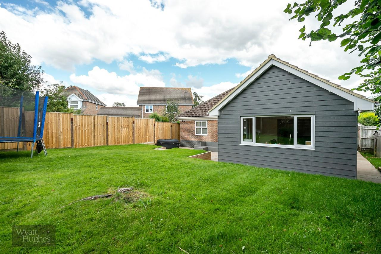 3 bed detached bungalow for sale in Beacon Hill, Bexhill-On-Sea  - Property Image 22