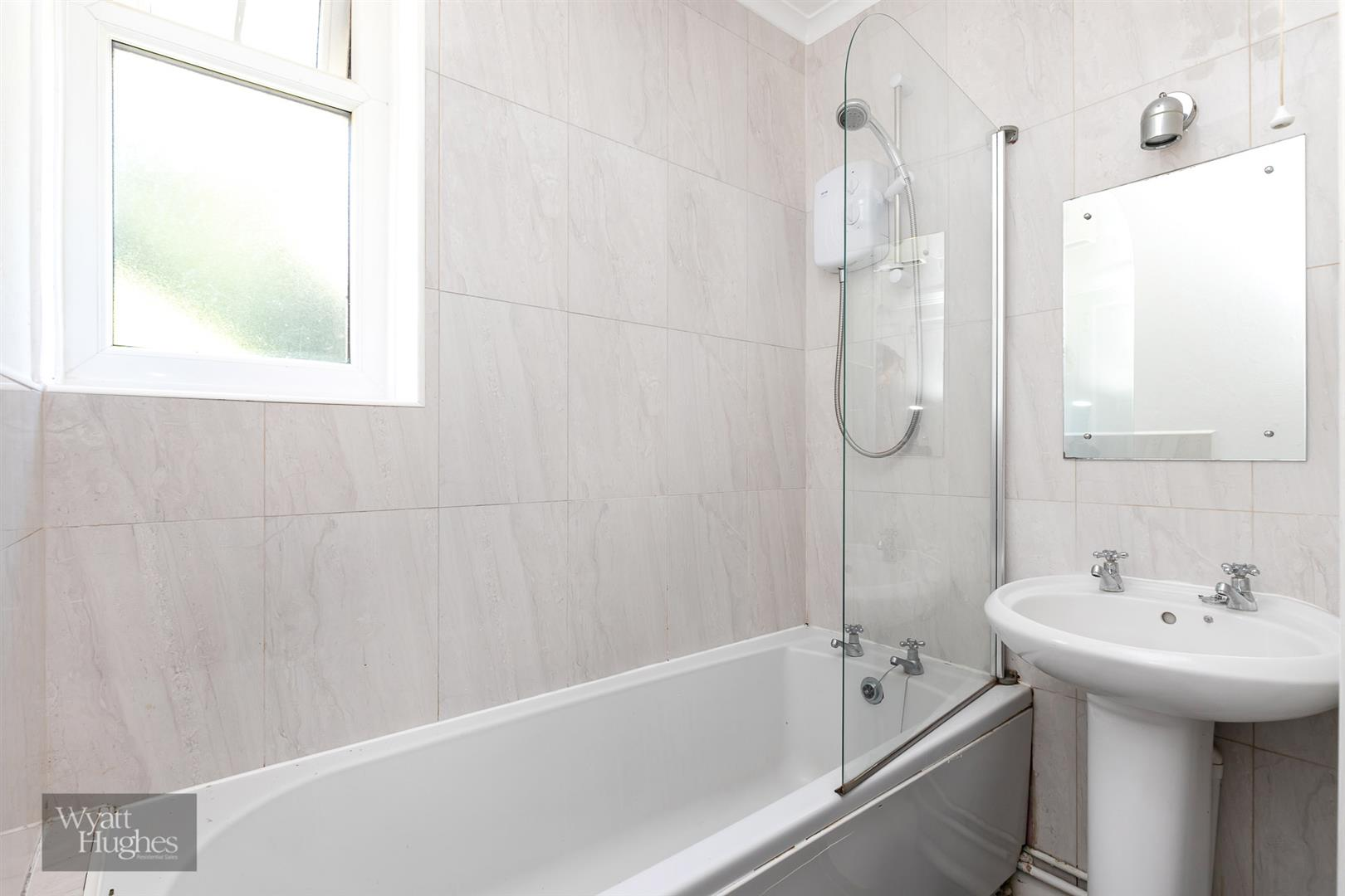 2 bed detached house for sale in West Hill Road, St. Leonards-On-Sea  - Property Image 23