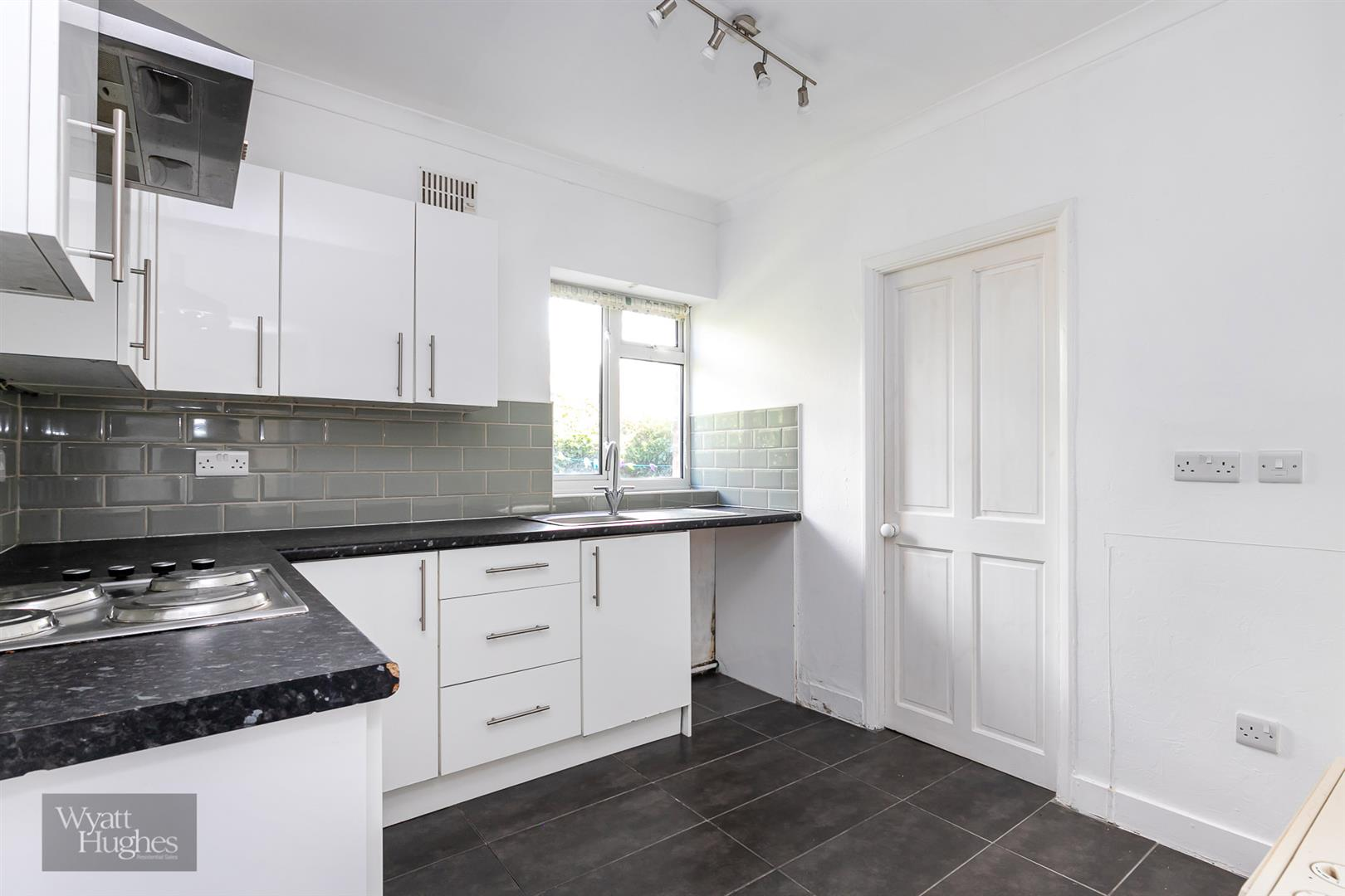 2 bed detached house for sale in West Hill Road, St. Leonards-On-Sea  - Property Image 20