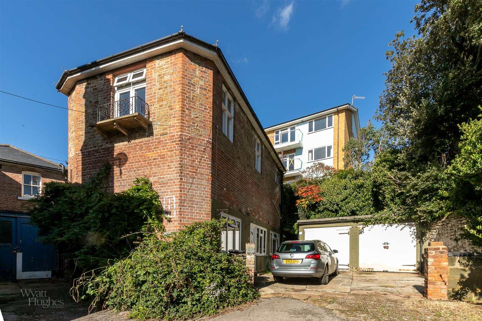 2 bed detached house for sale in West Hill Road, St. Leonards-On-Sea - Property Image 1