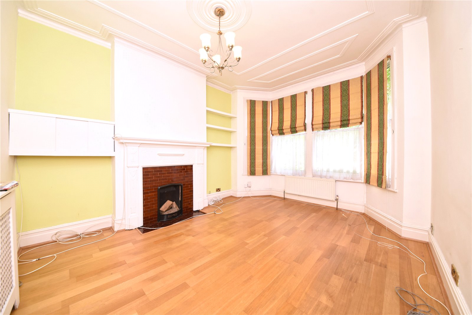 4 bed house for sale in Finchley, N3 2AR 1