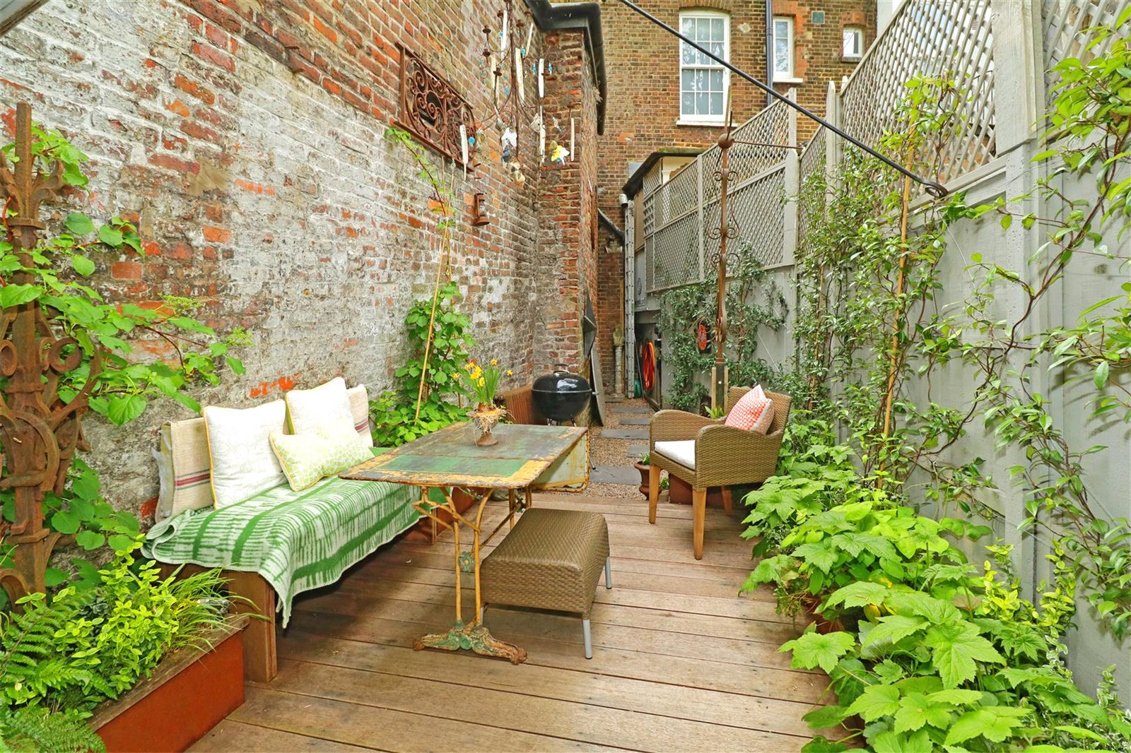 House for sale in Highgate, N6 5HX 3